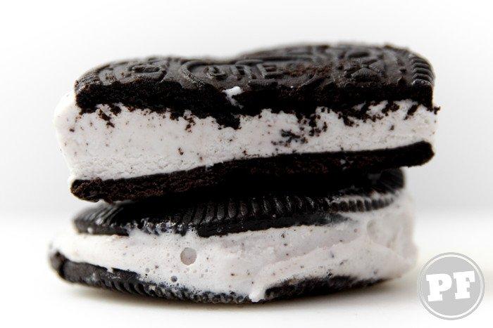 Sorvete Oreo Cookie Sandwich por PratoFundo.com