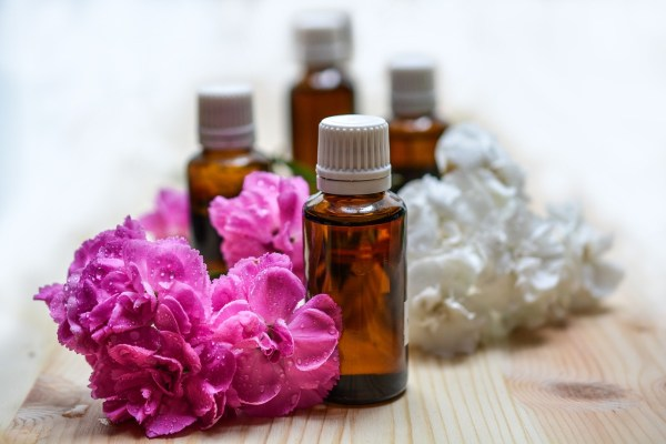 Essential oils recipes for skin and hair