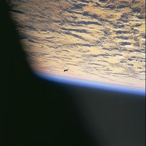 black-knight-satellit1