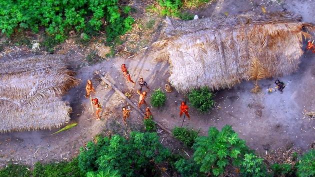 La antigua tribu, de hace unos 60 mil años, se resiste al contacto con los visitantes.