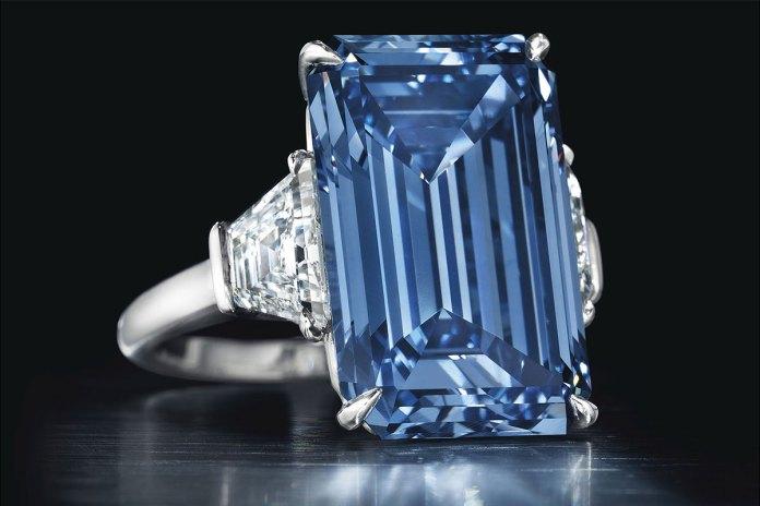 Con un azul luminoso y vivo, logró convertirse en la joya más cara del planeta.