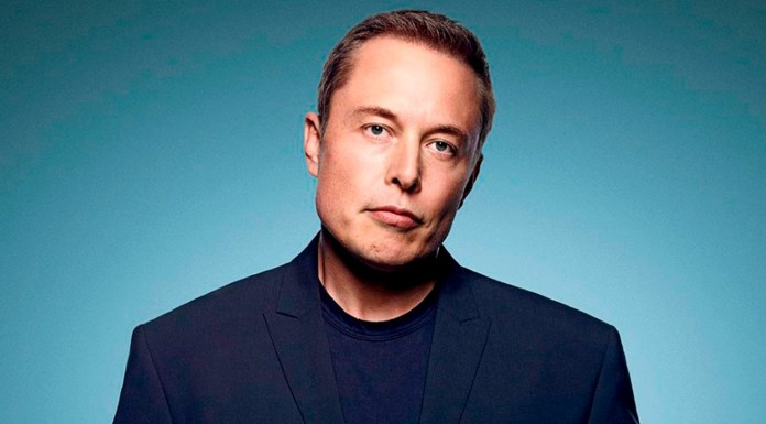 Elon Musk, Sufafrica, Nerd, Bullying, Zip2, empresas, fortuna, Paypal, Ebay, acciones, riesgo climatico, dependencia de un solo planeta, obsolescencia especie humana