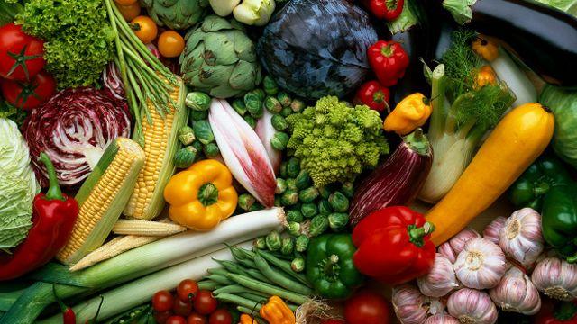 alimentos con serotonina, alimentos triptofano, triptofano, serotonina, que alimentos tienen serotonina, aliviar depresion, como aliviar la depresion, comer mejor, comida antidepresiva, dieta frutos secos, dieta para mejorar estado de animo