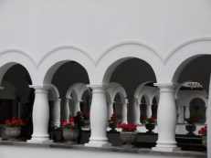 I managed to snap a quick arty shot of the balconies on the inside of the palace while the security guard wasn't looking