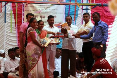 Library Donation by Prayas Pune team