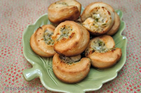 garlic cheese spirals