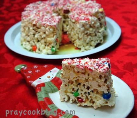 slice popcorn cake