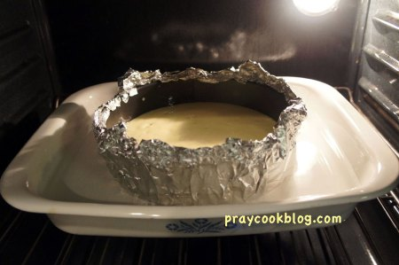 cheese-cake-in-oven-