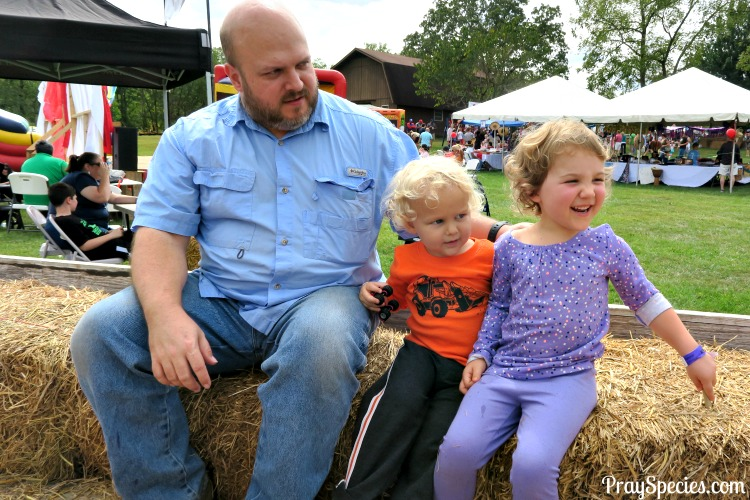 hayride-at-the-fall-festival