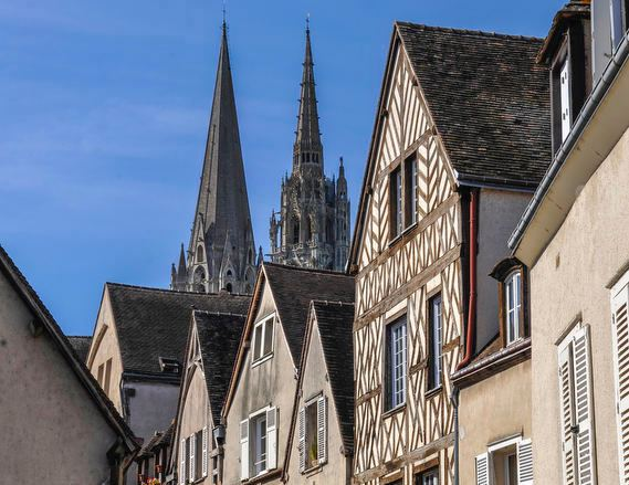 Chartres seen from the river