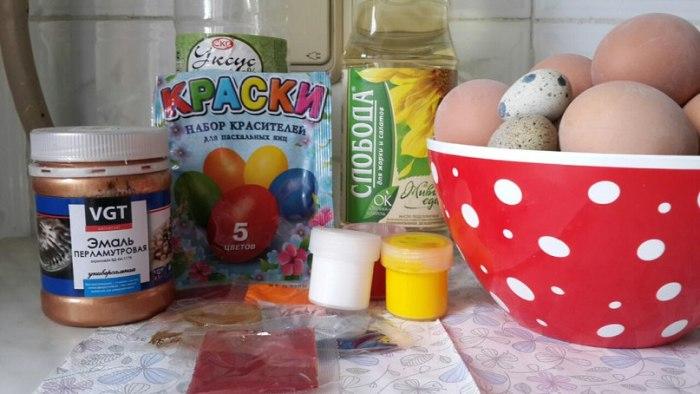 ингредиенты для покраски яиц на пасху