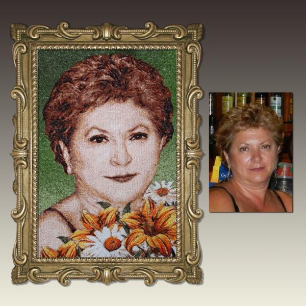 вышитый портрет по фото бабушки