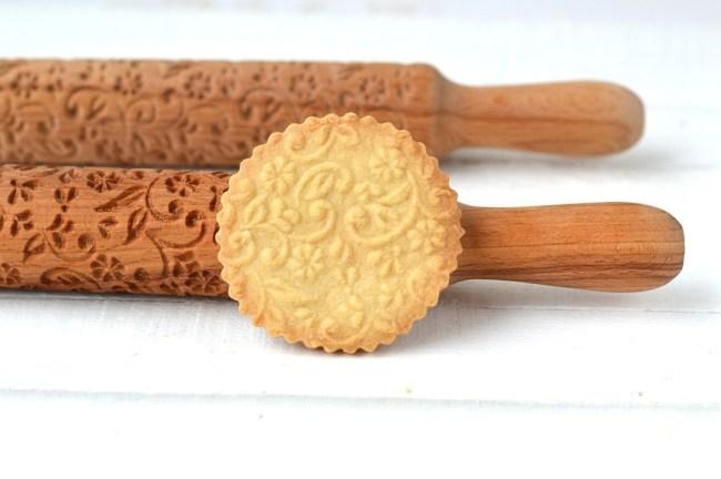 фигурная скалка для вырезания печенья
