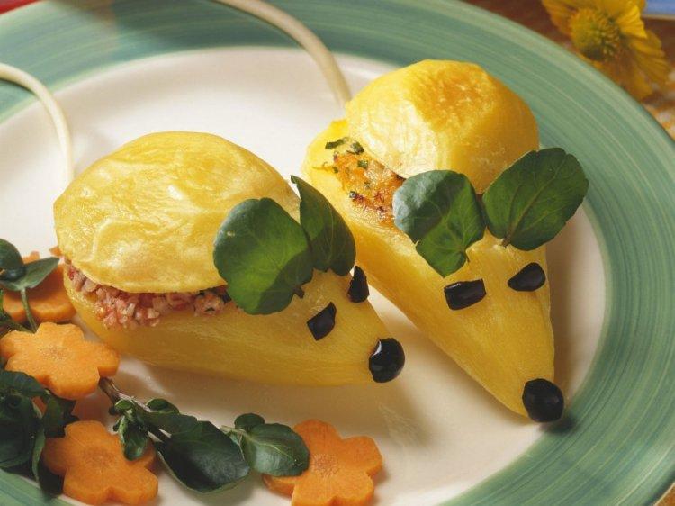 фаршированный картофель в виде мышек