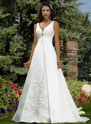 81fa7ab3819ad9 Сукня А-силуети з завищеною талією: підходить для повненьких дівчат і  вагітних наречених з невеликим жівотніком