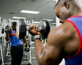 bodybuilder_body weight training