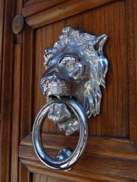 poignee porte lion venise