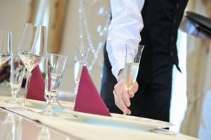 少人数の結婚式の食事会