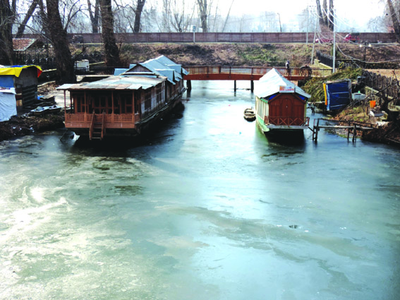 Water bodies freeze again as chill intensifies