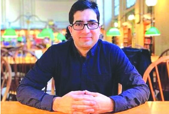 IAS topper Shah Faesal resigns to protest 'unabated killings'