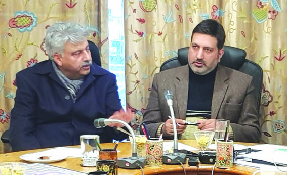 KCC&I president discusses power scenario with CE PDD Kashmir