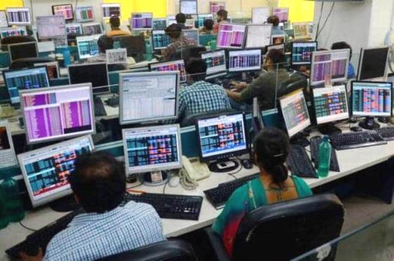 Sensex loses 134 points on weak global cues