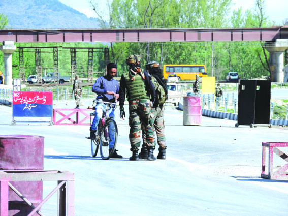 Highway ban: Normal life affected in valley