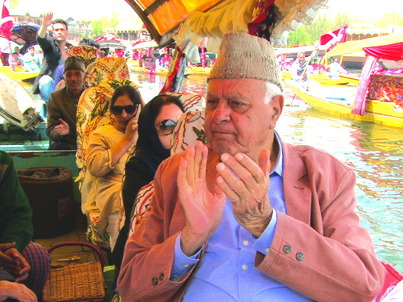 Guv admin failed to give impetus to tourism sector in Kashmir: Dr Farooq