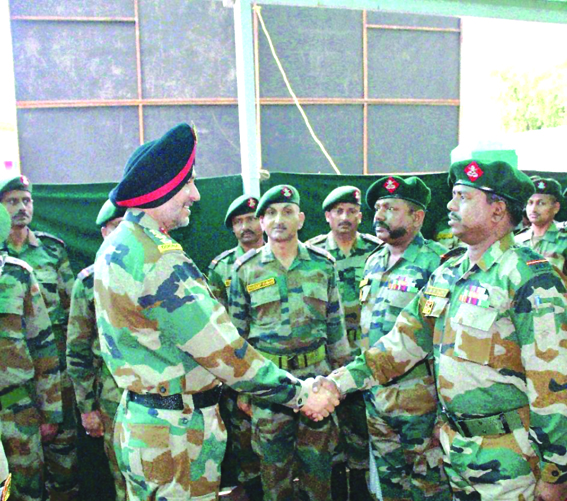 Northern Army commander reviews security situation in Valley