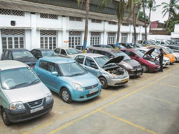 Domestic passenger vehicle sales drop 20% in May