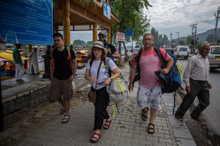 Entry Of Foreign Tourists Banned In Valley