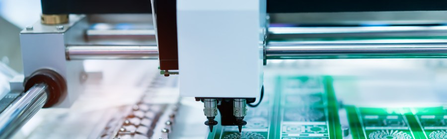 A machine placing component on a pcb