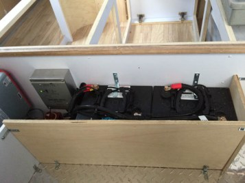 Airstream Solar, 400 watts, battery monitor, 220 AH AGM, 100 watt Inverter