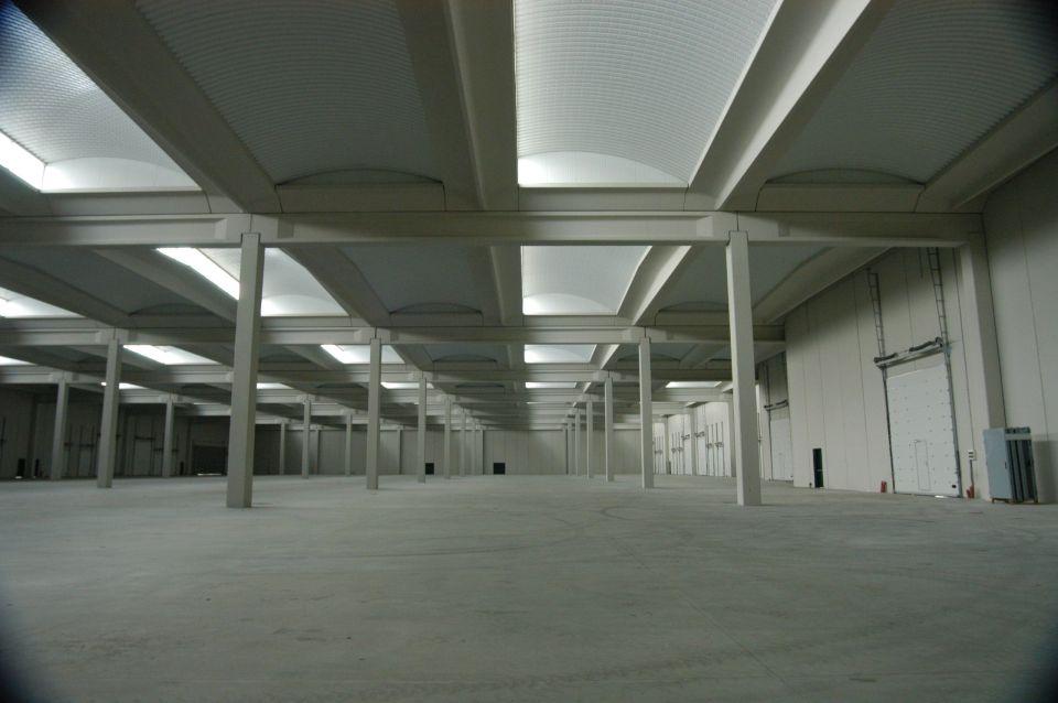 Foto interior nave prefabricada