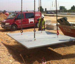 Montador de Hormix Integral en labores de acopiados de loseta