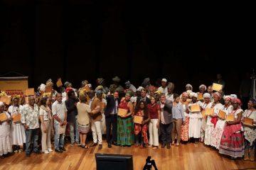 Baianas receberam uma moção em homenagem ao trabalho. Foto: Hudson Pontes / Prefeitura do Rio
