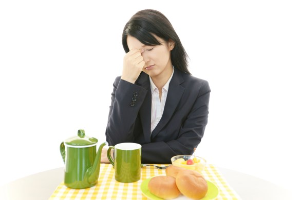Image of woman with lack of appetite