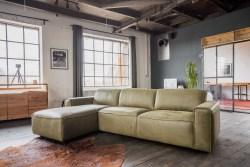 KAWOLA Ecksofa EXTRA Sofa Leder olivgrün Recamiere links klein mit motorischer Sitztiefenverstellung