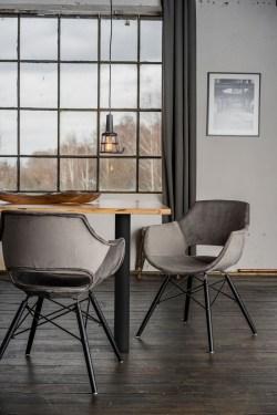 KAWOLA Essgruppe 5-Teilig mit Esstisch Baumkante Fuß schwarz 140x85cm und 4x Stuhl ZAJA Velvet grau