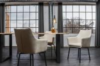 KAWOLA Essgruppe 7-teilig mit Esstisch Baumkante nussbaumfarben Fuß schwarz 200x100 und 6x Stuhl Cali Stoff creme