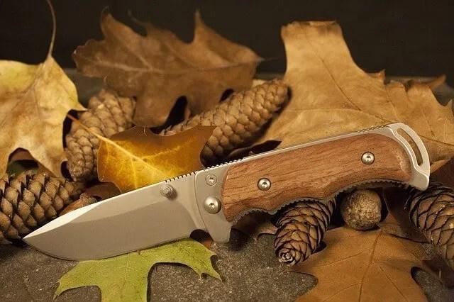 survival knife grip