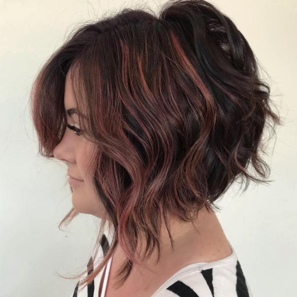 Градуированный боб на средние волосы фото с челкой – фото ...
