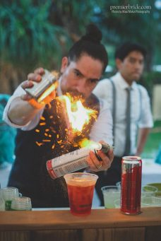 Fun Bartending Ideas for a Wedding