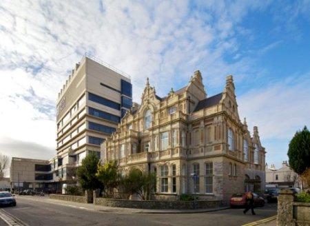 Weston College - Hans