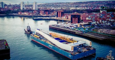 Bridge pylon centrepiece arrives into Sunderland