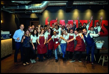 Image ©Licensed to i-Images Picture Agency. 16/11/2016. London, United Kingdom. 'SMITHS' of Smithfield launch a new restaurant on Cannon St. Picture by Andrew Parsons / i-Images