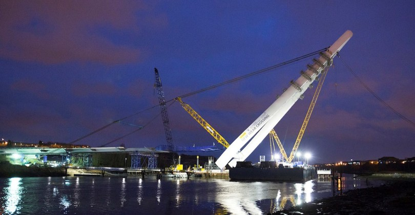 New Wear Crossing pylon lifted into place.