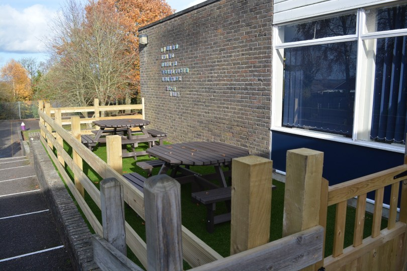 Covers Alresford Donates Materials to Sun Hill Junior School