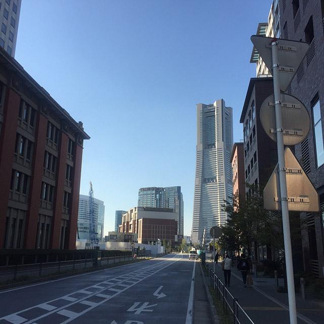 東側の通り