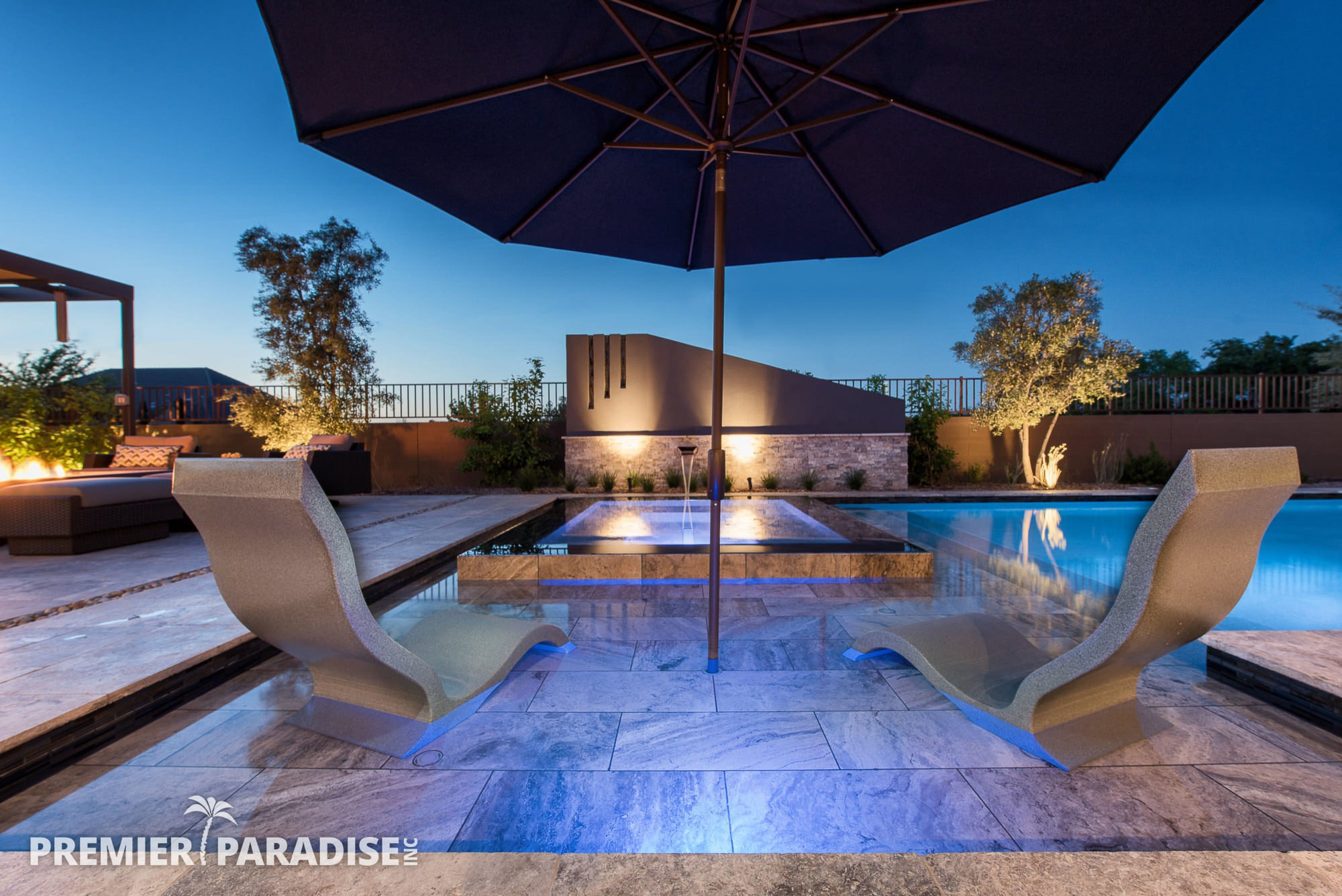 Modern Perimeter Overflow Spa & Luxury Outdoor Living ... on Outdoor Living Space Builders Near Me  id=13177